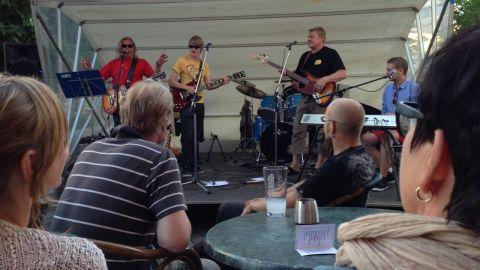 Street Blues varje sommartisdag vid Fondis.