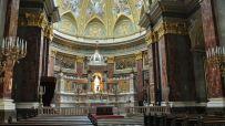 Sankt Stefansbasilikan med sin vackra interiör.