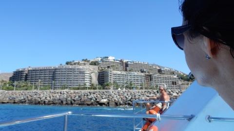 Anfi del Mar sett från sjösidan