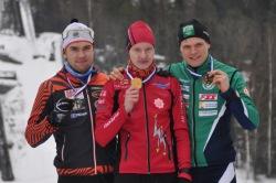 Medaljörerna i H23-klassen. Joonas Sarkkinen (silver), Ville Ahonen (guld) och Rikhard Mäki-Heikkilä (brons).
