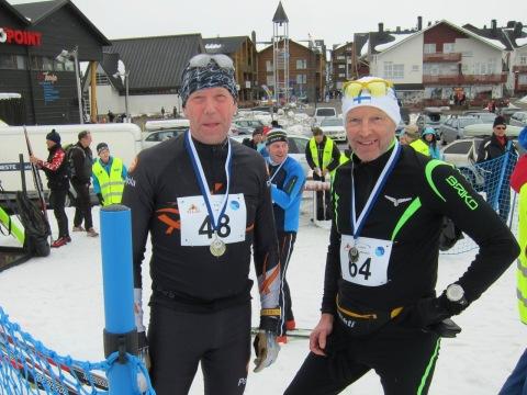 Nöjda deltagare efter målgång i Ylläs-Levi Ski Marathon 2016.