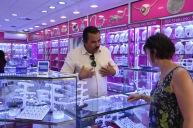 Juvelförsäljare med förmåga att förhandla